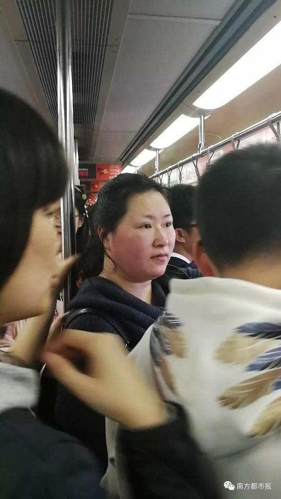 """180斤""""唐代仕女""""吃汤圆图走红 网友:又骗我增肥"""