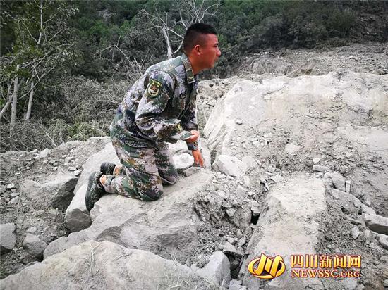四川茂县垮塌35人确认安全 仍有73人失联