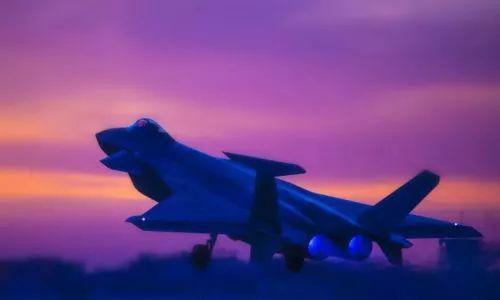 飞行员驾驶歼-20战机参加实战化对抗训练。 来源:解放军报