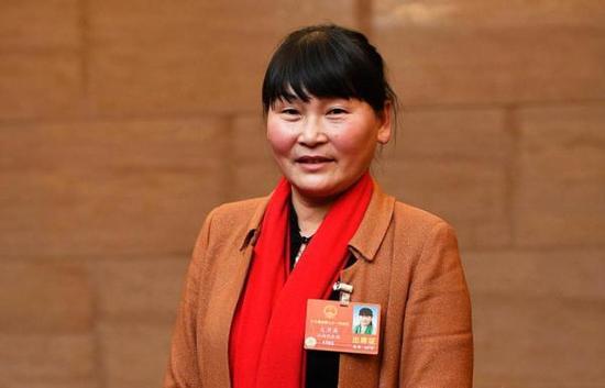 全国人大代表、江西省奉新县白洋教学点教师支月英 人民日报客户端 图