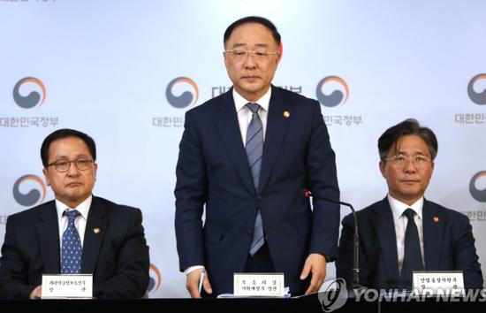 以牙还牙 韩国副总理:我们也把日本踢出白名单|韩国|白名单