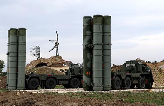 俄罗斯在叙利亚部署的S-300防空导弹