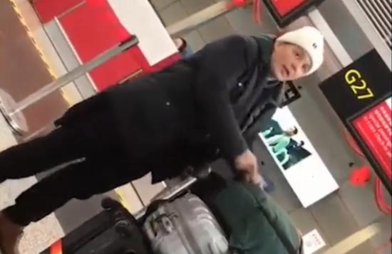 视频:真爷们儿!演员孙坚机场遇辱骂中国的外国人