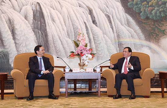 上海市委书记李强今天下午(3月25日)会见了台湾新北市市长朱立伦一行。