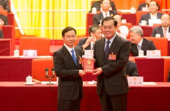 黄喜忠(左)和郭峰(右)