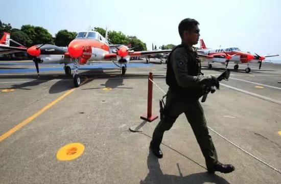 ▲菲律宾接装日本捐赠的TC-90飞机。