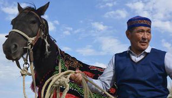草原的速度激情 哈萨克族赛马盛宴