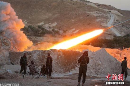 俄工兵在叙利亚摧毁一座武装分子曾驻守的洞穴