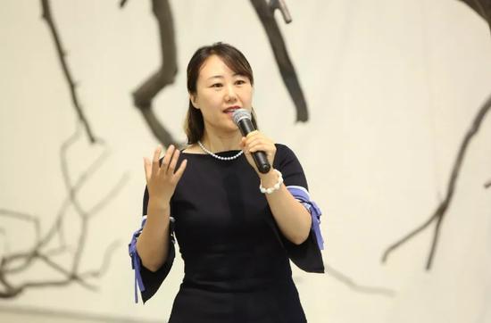 艺术支持者张丽平女士