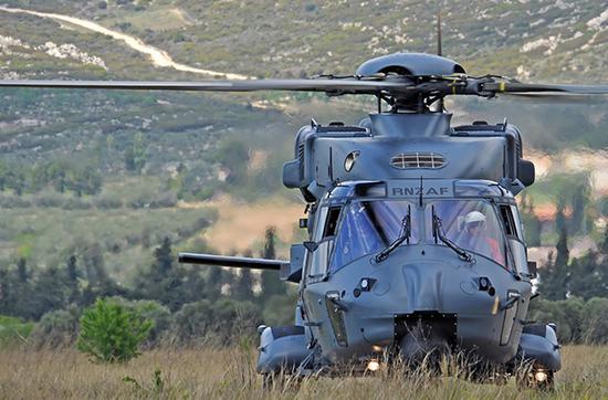 法国空客直升机公司的NH-90直升机将参与竞标。该直升机是一款具有世界先进水平10吨级多用途直升机。