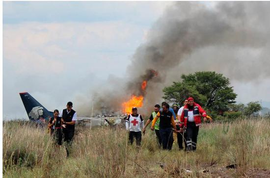 ▲墨西哥墜機事故現場 圖據《紐約時報》