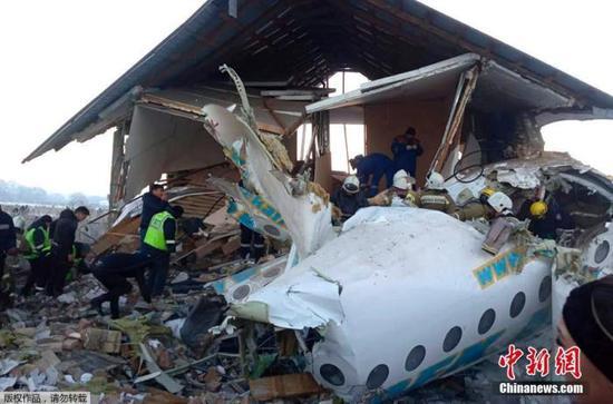 哈萨克斯坦客机失事致12死 客机制造商23年前破产