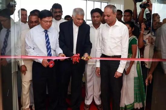 ▲资料图片:2017年11月4日,中国-斯里兰卡物流与工业园办公室在斯里兰卡汉班托塔成立并举行揭牌仪式。