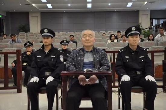 徐家涛在庭审现场。