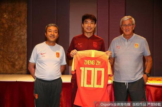 即将38岁的郑智第100次代表国家队出战。 全体育 图
