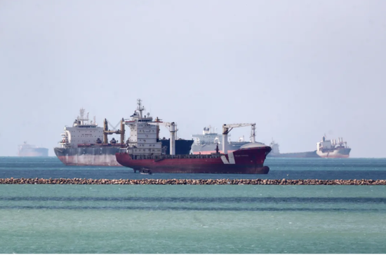 埃及两件大事儿上头条,苏伊士堵船事件还影响中国