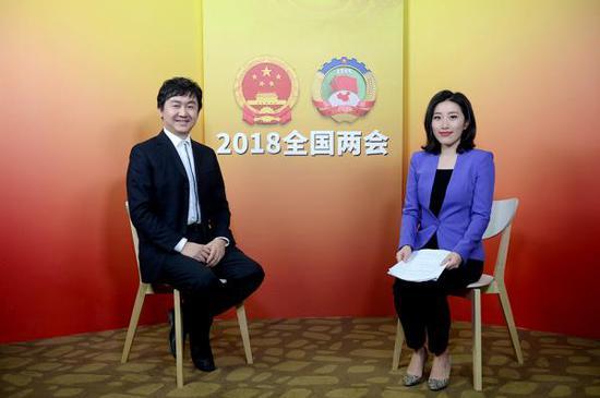 全国政协委员、搜狗公司CEO王小川接受澎湃新闻专访。澎湃新闻记者韦毅 图