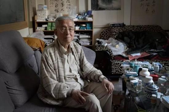 杨维骏离休以来,一直作为一个退而不休