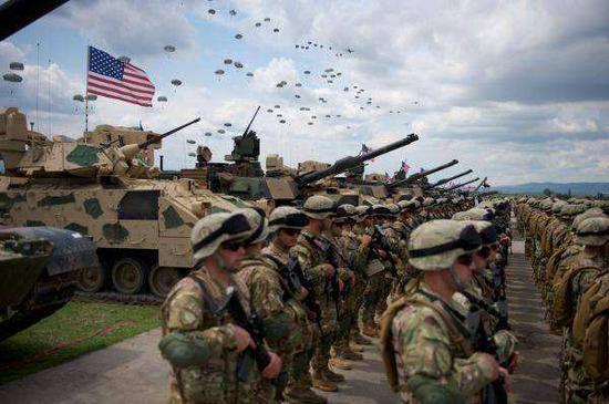 美军为运输驻欧部队招标:载人客车要配空调厕所|北约|美海军