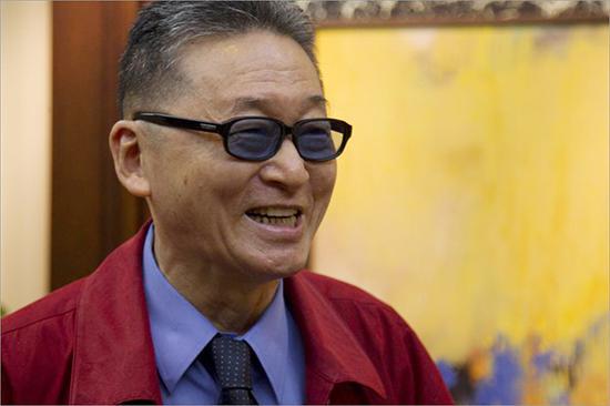 2010年8月26日,上海锦江饭店,台湾著名作家学者李敖在接受《东方早报》记者专访。澎湃新闻 资料图