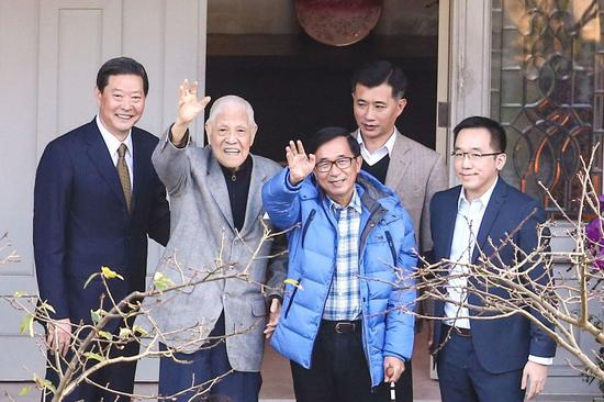 今年1月,陈水扁到翠山庄探视李登辉。(图片来源:台湾《联合报》)