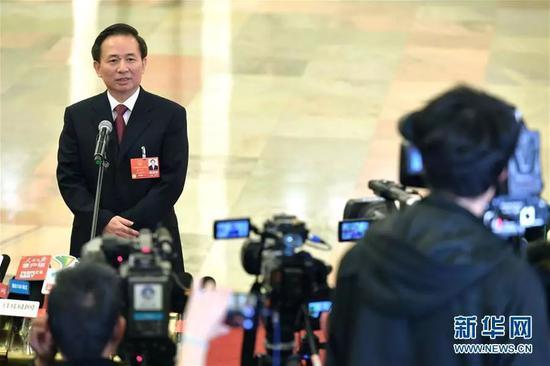 """生态环境部部长李干杰在""""部长通道""""接受采访"""