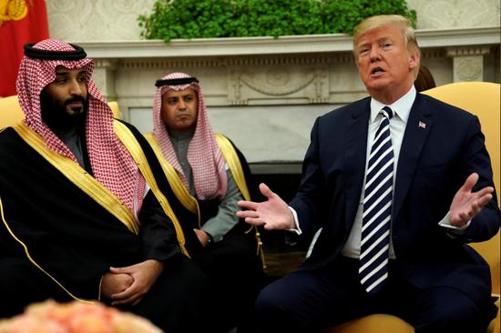 当地时间3月20日,特朗普在白宫会见到访的沙特阿拉伯王储穆罕默德·本·萨勒曼。