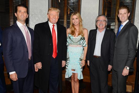 佩克(右二)和特朗普的家人 圖自華盛頓郵報