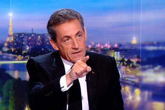 当地时间2018年3月22日,法国巴黎,法国前总统萨科齐接受电视台采访。视觉中国 图