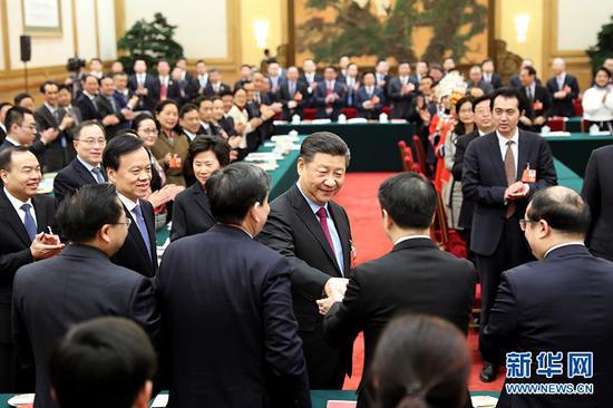 3月10日,习近平参加十三届全国人大一次会议重庆代表团的审议。 (图片来源:新华社)