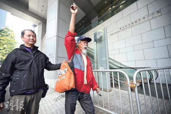 去年12月底被捕的古思尧 图源:香港《明报》 曾宪宗/摄