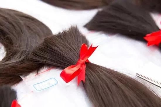 青丝行动收到的头发。受访者供图