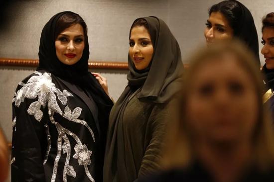 从听音乐会到时装周 沙特女性春天是否昙花一现