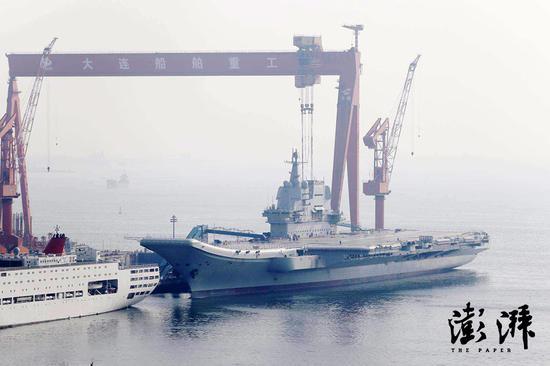 今天最新拍摄的001A航母 图源:澎湃新闻