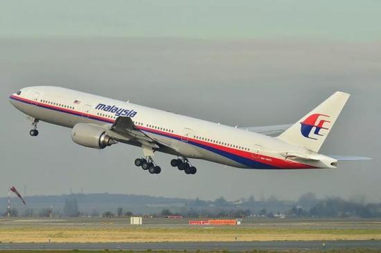 资料图片:失事飞机(注册编号:9M-MRO),拍摄于2011年。(维基百科)