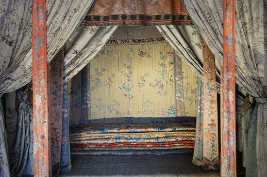 西暖阁里的床