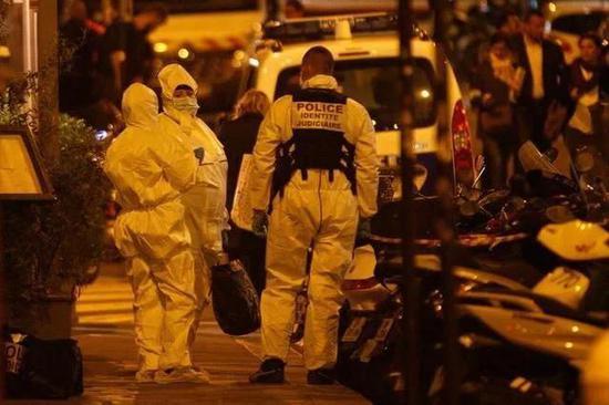 法国巴黎持刀袭击事件