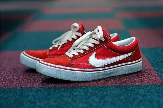 Nike 对勾鞋