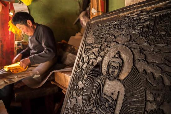 非遗中国:德格印经院藏族雕版印刷技艺