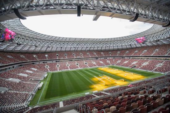 图为本届世界杯的比赛场地之一卢日尼基体育场。新华社记者吴壮摄