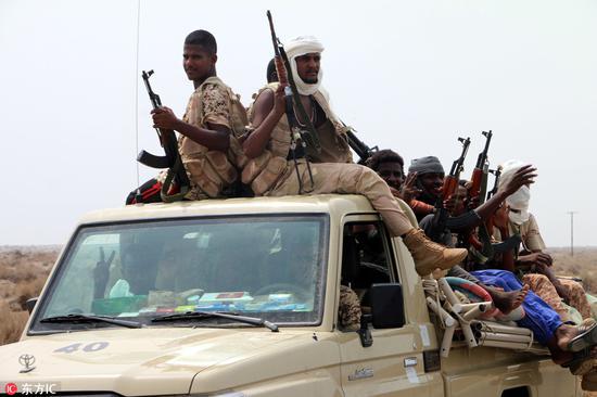 同沙特、阿联酋并肩作战的苏丹军队聚集在荷台达郊区 @东方IC