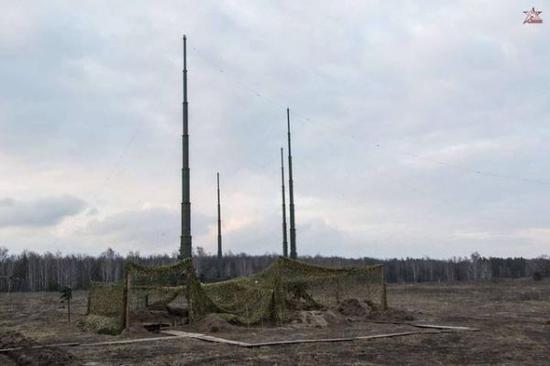 """资料图:俄军""""摩尔曼斯克-BN""""电子战系统。"""