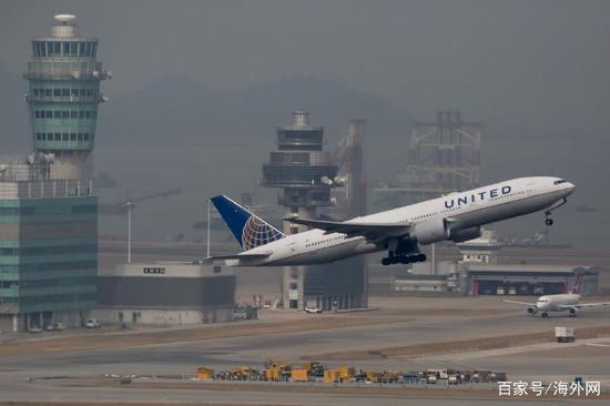 图为美联航客机资料图。(华尔街日报)