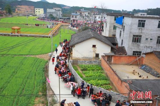 资料图:农村。 朱柳融 摄