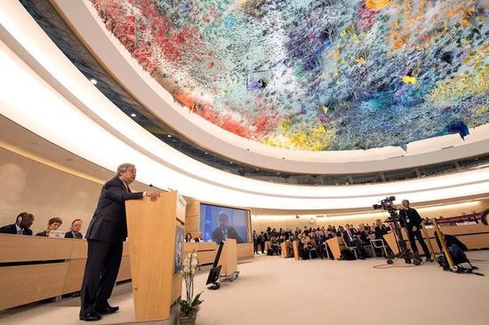 2月26日,在瑞士日内瓦,联合国秘书长古特雷斯在联合国人权理事会第37次会议上发言。新华社/法新