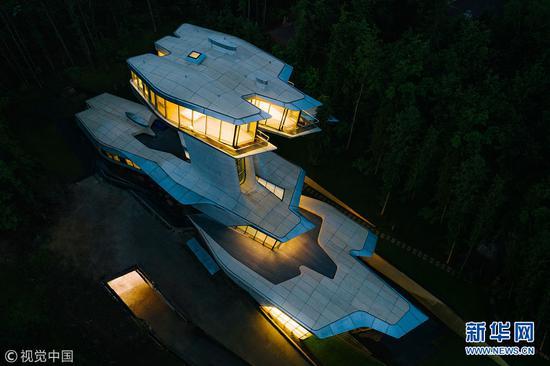 俄富豪私宅如太空飞船 值8.4亿历时10年完工(图)