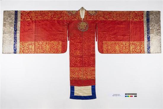 距今100多年的韩国皇太子妃结婚礼服