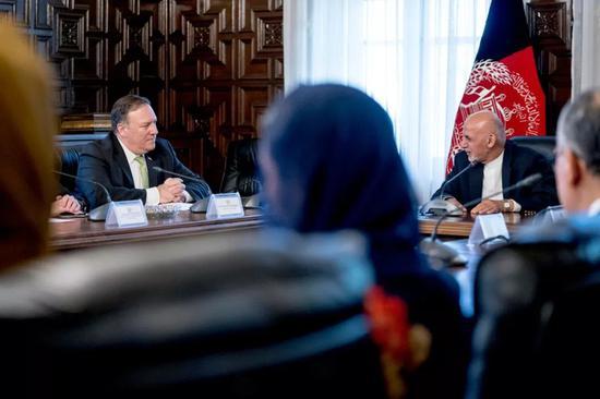 ▲7月9日,美國國務卿蓬佩奧出訪阿富汗會見阿富汗總統加尼。(美國《紐約時報》)