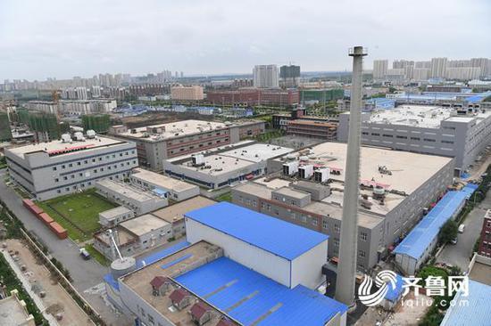 """图为7月25日的长生生物厂区,厂区内""""静悄悄""""。齐鲁网记者 张伟 摄"""
