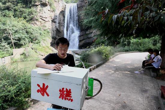 赵龙的冰糕车 受访者供图
